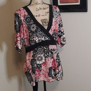 julie's closet Tops - Black and red kimono top